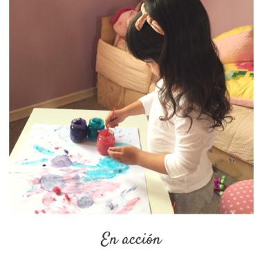 pintando con pintura dactilar