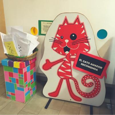 Gato Amador- Biblioteca de santiago
